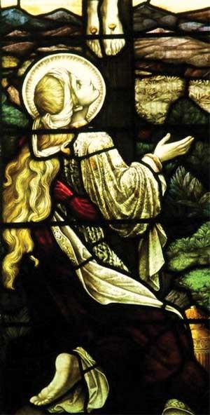 Магдалина во время распятия... Витраж из церкви в городке Дорсет, Англия (Dorset Village)